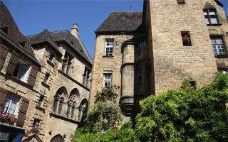 Sarlat : une cité médiévale en Dordogne